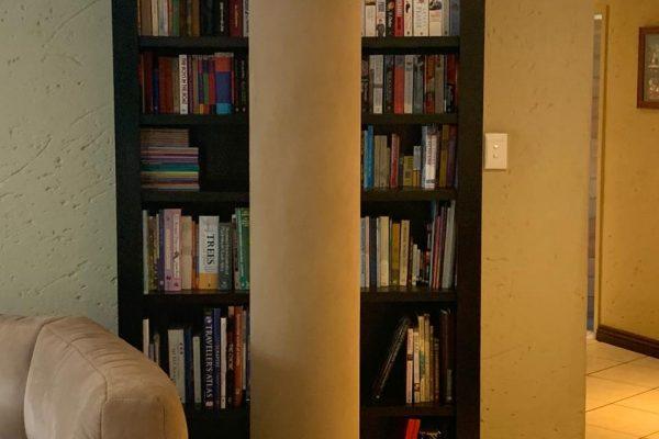 Mahogany book shelf project
